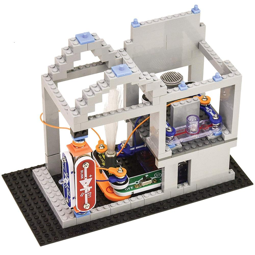 Snap Circuits Bric Structures Toy Sense If You Like The Elenco Light Set Then May We Also